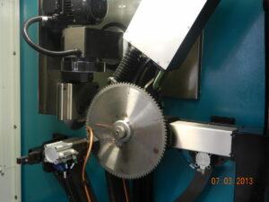 Businaro - JS 40 - affilatrice industriale - Particolare sega